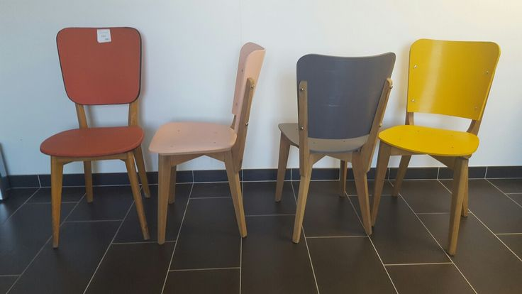 Relooking chaise année 60. Pied en bois compas