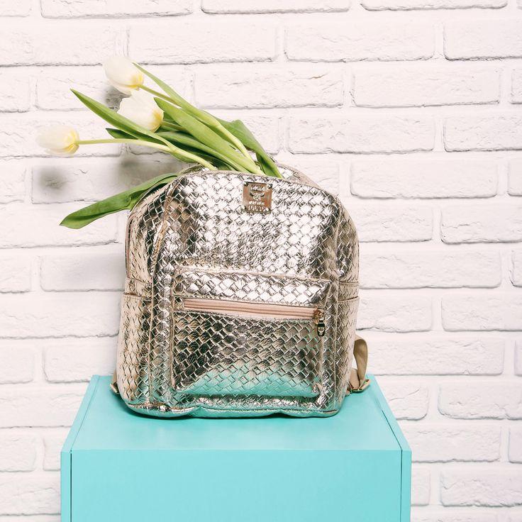 Модный рюкзак с эффектом металлик 🎒прекрасно дополнит романтичный весенний гардероб в пастельных тонах🎀 Арт: K024-CLR2 #respectshoes #iloverespect #shoes #ss17 #shopping #обувьреспект #шоппинг #мода #весна #веснавrespectshoes