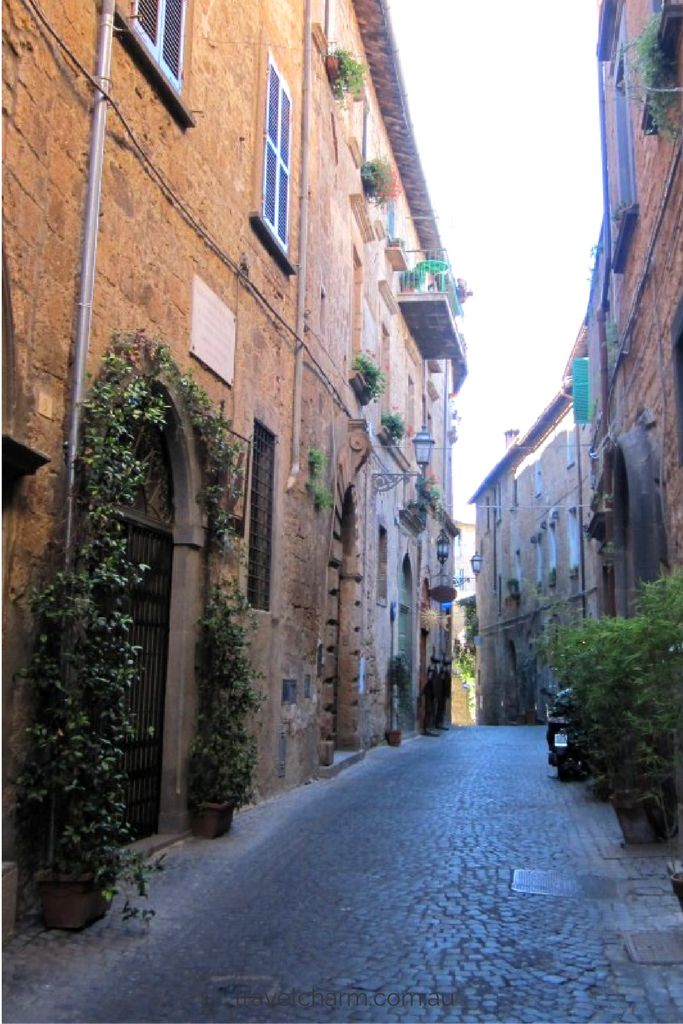 Discover Orvieto in Italy and download our one day itinerary to include in your next trip to Italy.