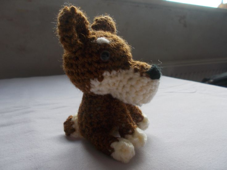 Little dog ... pattern from Simply Crochet magazine.