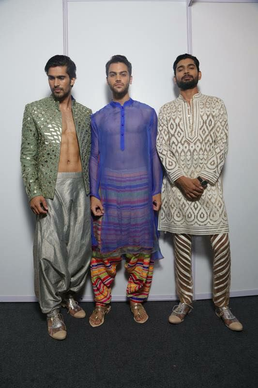 Desi Men : Photo