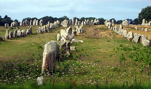 Allineamento di menhir megalitici ; V-IV millennio a.c. circa; Carnac, Francia
