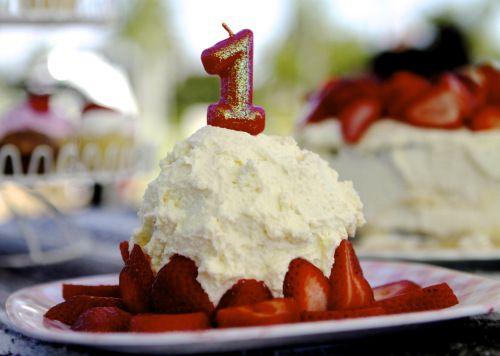 Banana smash cake: a healthy smash cake recipe for baby's first birthday
