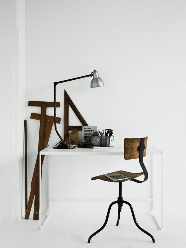 Brocante, déco vintage brocante industrielle, lampe d'atelier, lampe industrielle, tabouret industriel