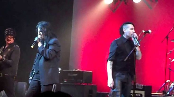 .@RealAliceCooper , ,@marilynmanson and ,@IamStevenT sing Come Together with #JohnnyDepp on #guitar!