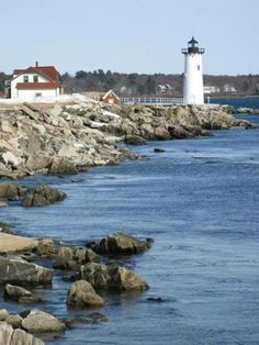 """The Boston Globe's """"10 must-see lighthouses in New England"""""""