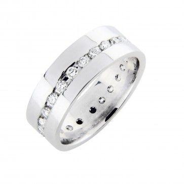 #Timanttisormus - Lontoo - #MalminKorupaja. #Vihkisormus, #valkokulta. #Diamond #ring by Malmin Korupaja. #Wedding ring, #whitegold, #eternity
