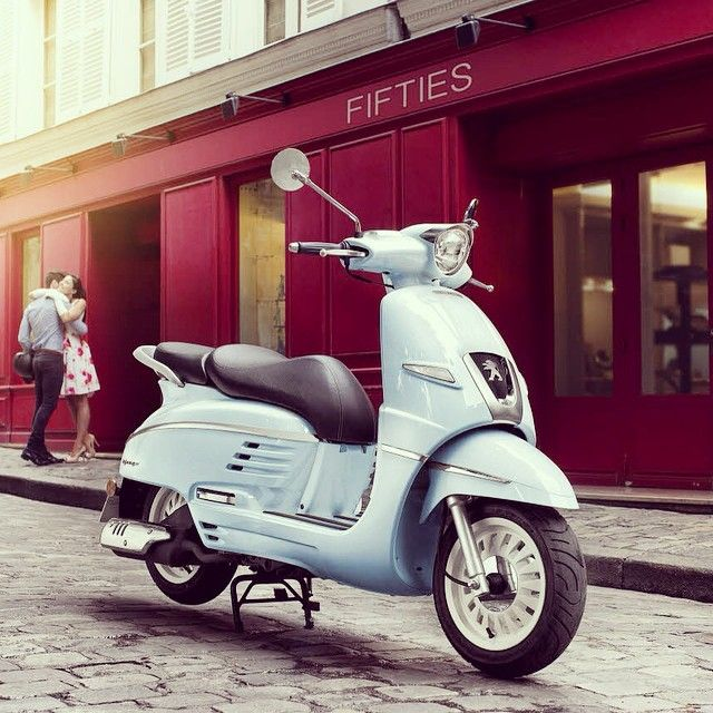 The Peugeot Django Scooter with its retro lines is customisable as you wish! #Peugeot