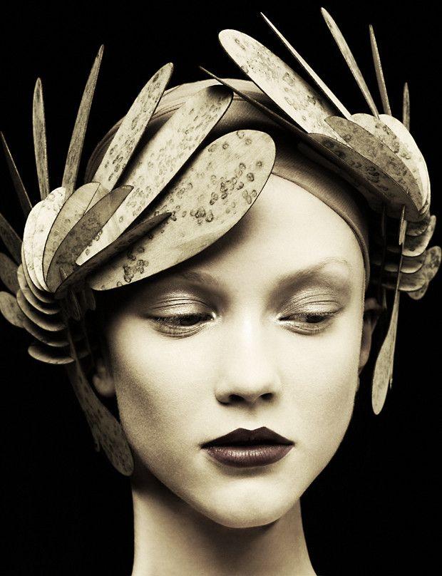⍙ Pour la Tête ⍙ headdress