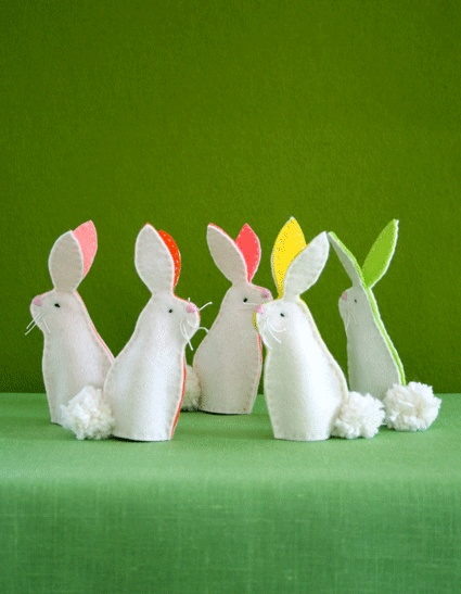 Keep kids busy after the egg hunt with a cute Easter craft idea: bunny finger puppets!