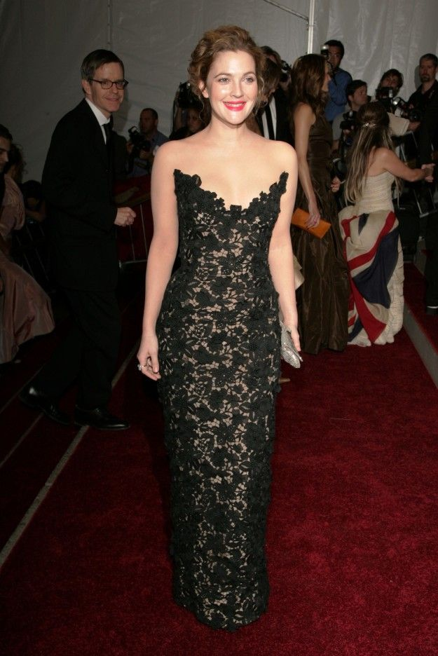Drew Barrymore — 2006 | This Is What The Met Gala Looked Like In The 2000s
