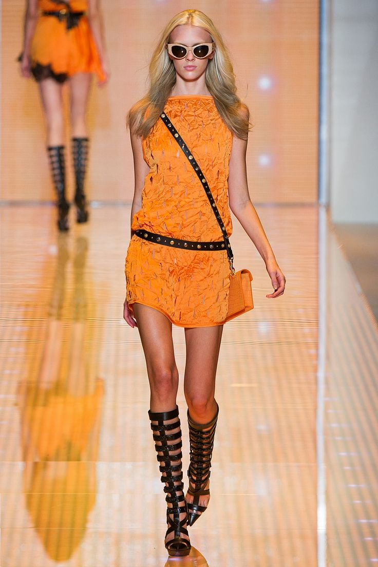 COLOR IS GREAT.  WEAR AS IS OR WITH A PAIR OF BLACK LEGGINGS.Fashion Weeks, 2013 Rtw, Ss2013, Milan Fashion, Spring Summer, Versace Spring, Fashion Spring, Spring 2013, Ss 2013