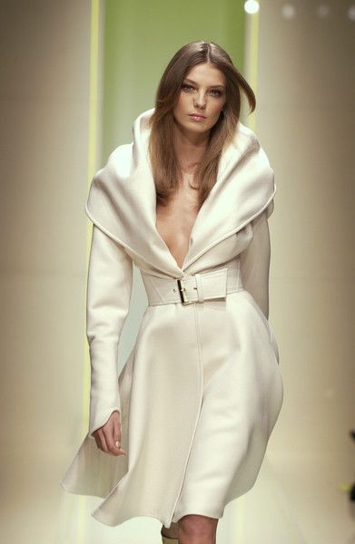 What would it be like to be wrapped in all that beautiful expensive fabric... *dreamy sigh*
