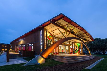 Te Uru Taumatua, Taneatua, the new Tūhoe headquarters in Taneatua, near Whakatane, New Zealand, has been designed to have no environmental impact, to be integrated into its surrounding landscape and to give back to the world around it. Nice work Jasmax!