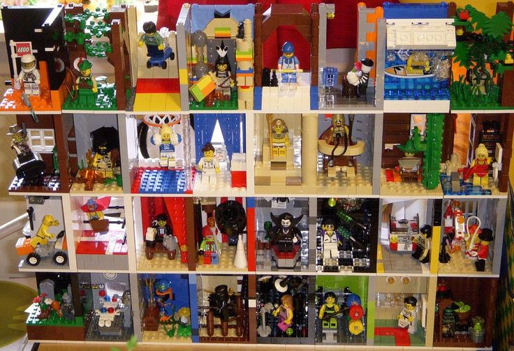 ways to display lego minifigures | This is one of the best moc minifigures display I had came across, it ...