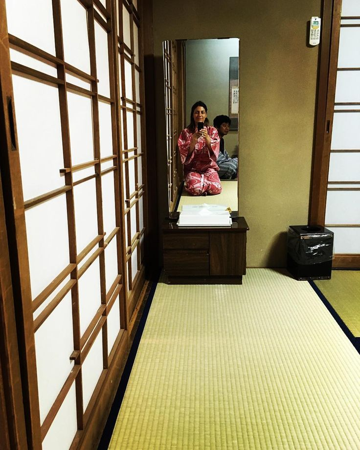 R Y O K A N �� . . . . #citytales #letsgosomewhere #ryokan #takayama #travel #travelphotography #openmyworld #passportexpress #explore #tokio #mola #viajar #reflection #like4like #shootermag #lifestyle #photography #lifestyle #photooftheday #discover #igers #igers_tokyo #traveler #travelawesome #travelandlife #lonelyplanet #followmeto #japan #adventureculture http://tipsrazzi.com/ipost/1524924419247803860/?code=BUpnq4OlY3U
