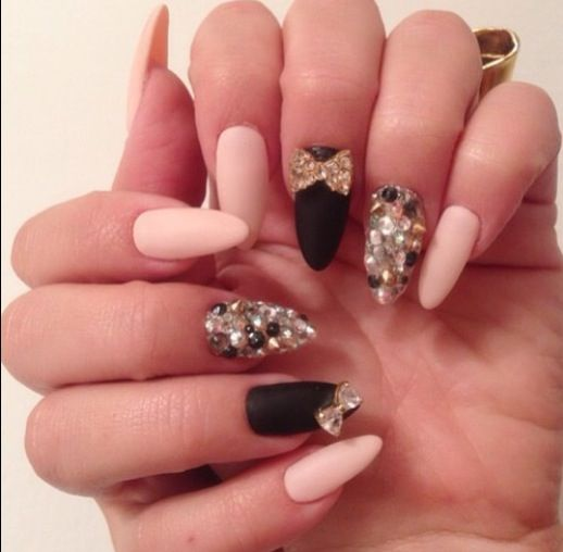 bows and sparkles love her nails they are always on point