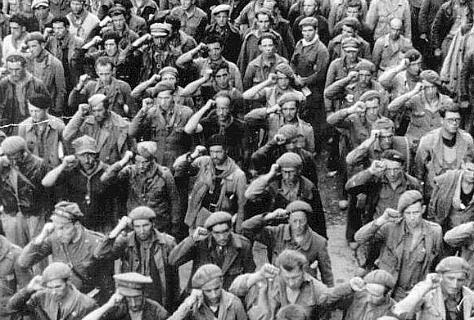 Setanta-cinc anys del comiat de les Brigades Internacionals - Vilaweb. El record dels milers de voluntaris estrangers en la guerra de 1936-1939 també es manté per mitjà de desenes de monuments, monòlits i plaques escampats per tot el món. N'hi ha a Barcelona, Benicàssim i Marçà, a Estocolm (Suècia), San Francisco (Califòrnia), Canberra (Austràlia), Òttawa (Canadà), Berlín (Alemanya) i Viena (Àustria), a París (França), Seattle (EUA) i també en moltes ciutats d'Anglaterra, Irlanda i Gal·les.