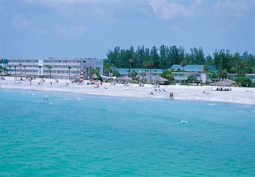 Sandcastle Resort at Lido Beach - Hotels.com - Hotel rooms with reviews. Discounts and Deals on 85,000 hotels worldwide