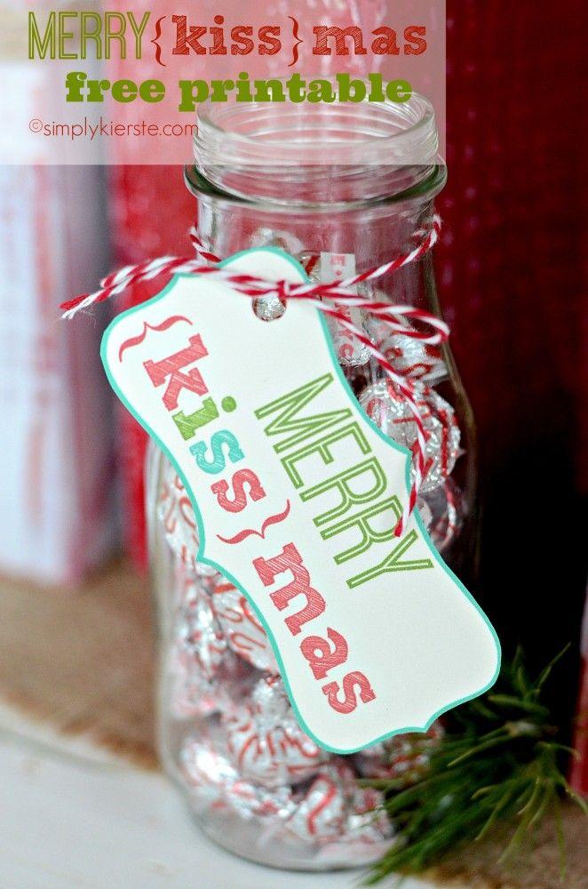 Merry Kissmas!  A FREE printable!!  So easy, and perfect for teachers, a hostess, neighbors, and more! #christmas #neighborgifts