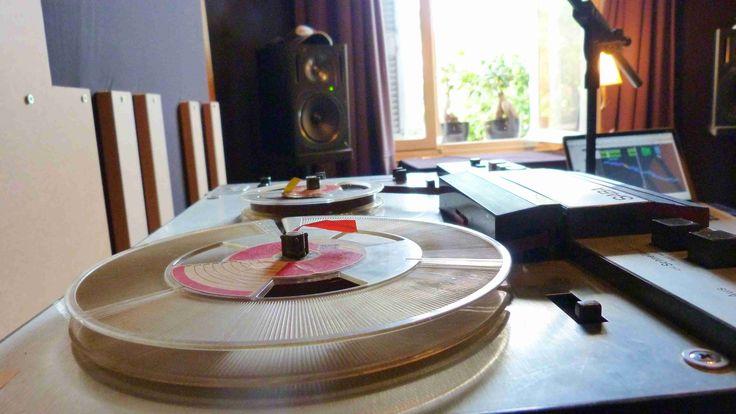 Recording tape machine soundings!