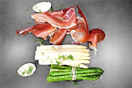 Kokt sparris med torkad skinka och krassemajonnäs