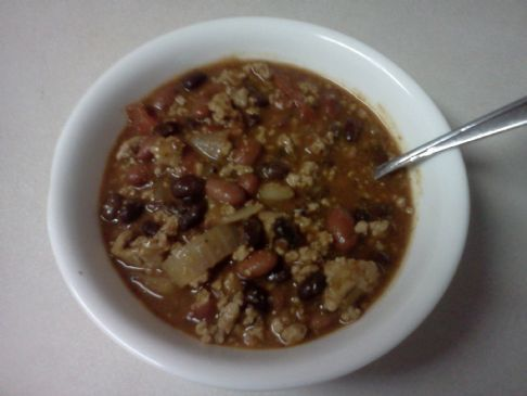 Turkey 3-bean chili. Packed full of flavor and all CLEAN. (Jamie Eason's recipe)