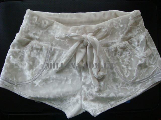 Велюровые мраморные шорты