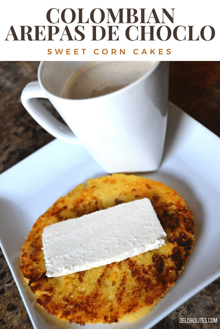 Colombian Arepas de Choclo (Griddled Sweet Corn Cakes) - food - Delicious Easy and Practical Recipes Colombian Arepas, Colombian Cuisine, Colombian Breakfast, Columbian Recipes, Sweet Corn Cakes, Comida Latina, Cuban Recipes, We Are The World, Latin Food