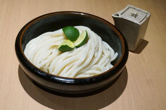 トランジットジェネラルオフィスが、うどん居酒屋「二○加屋長介(ニワカヤチョウスケ)」を中目黒高架下に出店する。「シメはラーメンではなくうどん」という福岡の居酒屋カルチャーを広め、東京の食文化に新風を吹き込む。オープン日は11月22日
