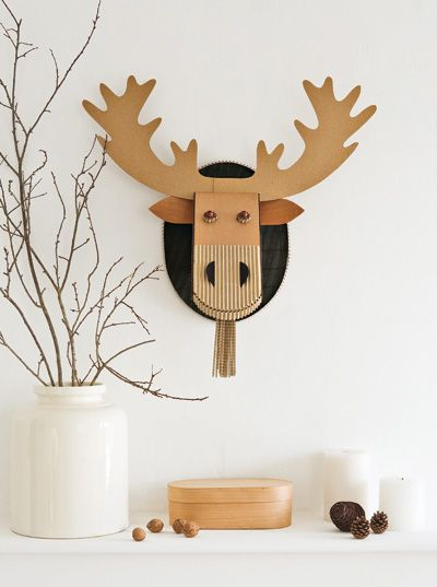 DIY: holiday reindeer wall decoration (free template and tutorial)