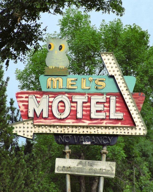 Mel's Motel