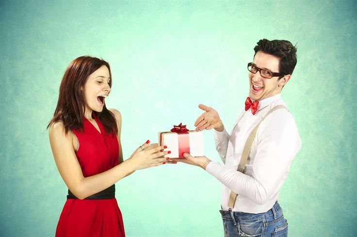 TOP10: Walentynkowe prezenty dla niej, które zaskakują! -  #prezentydlakobiety #romantyzm #walentynki #walentynkoweprezentydlaniej