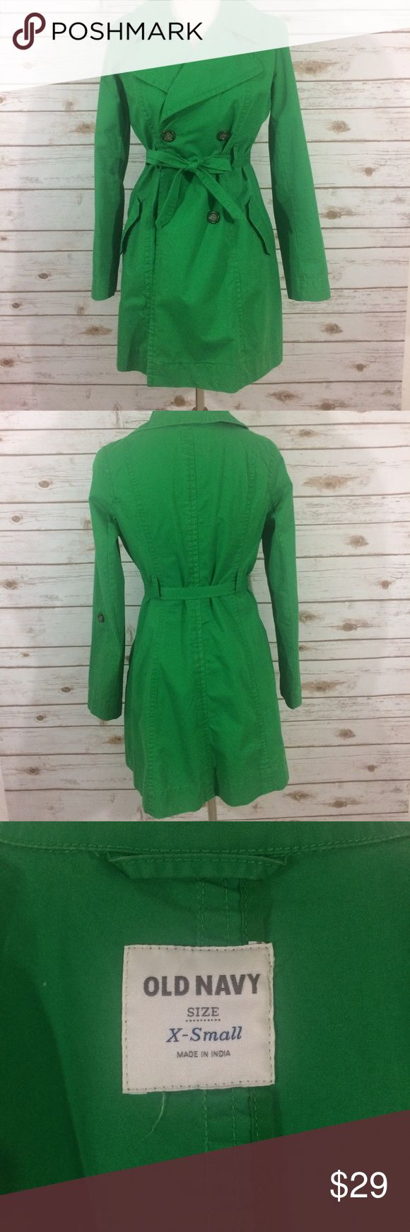 💖OLD NAVY💖 Green Trench Coat Old Navy green trench coat in a size XS but can fit a small. Never worn without tags. Includes tie. Old Navy Jackets & Coats Trench Coats