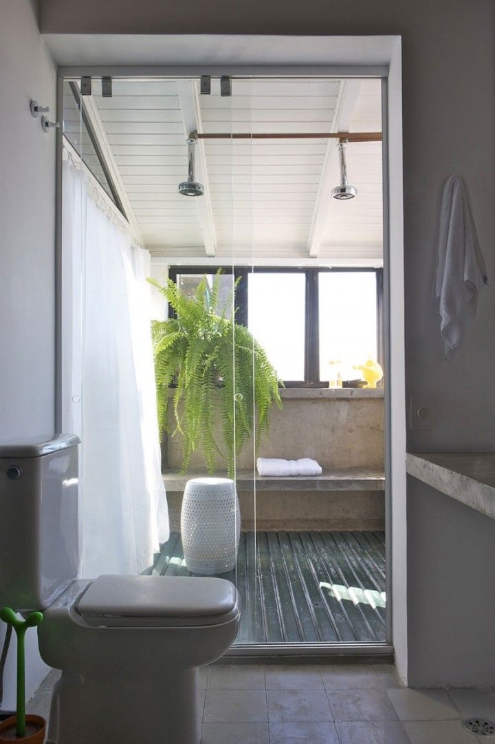 Bathroom: Semi Outdoor Concept Bathroom With Free Stand Shower And Green Plant Decoration With Glass Partition And Showers Ceiling: Extraordinary Outdoor Bathroom Design