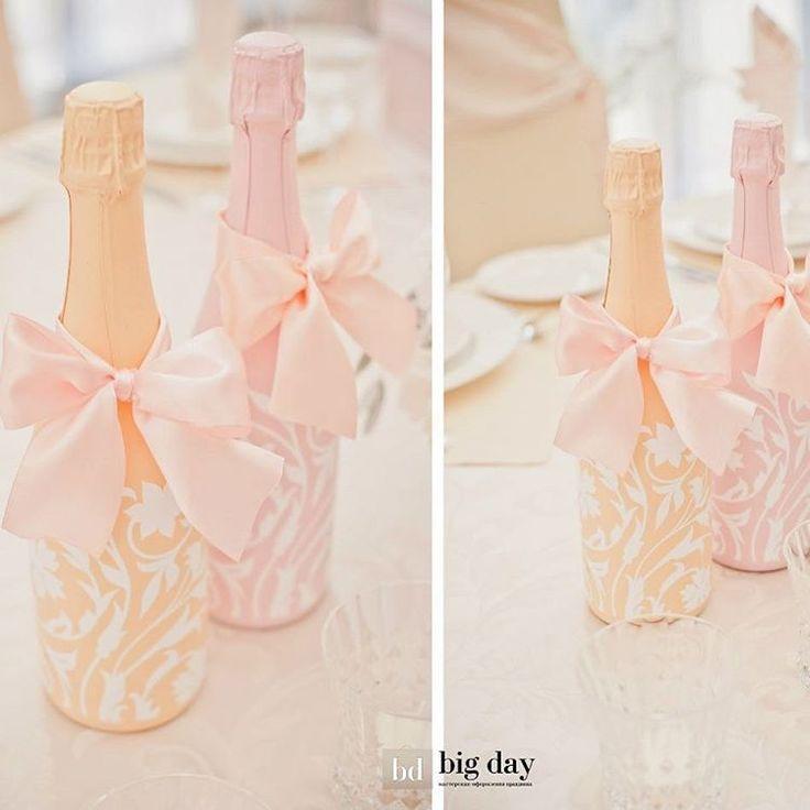 Для своей свадьбы Мария и Александр совместили мягкие оттенки розового и бежевого – беспроигрышное сочетание цветов Нежнейшие бледно-розовые пионы безусловно добавили изящества этому свадебному торжеству.  Вспомните вместе с нами эту красоту! Больше фото в fb и vk  #krasbigday