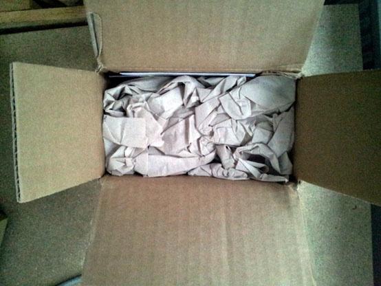 Was sich wohl unter dem #Verpackungsmaterial verbirgt? Von der #Packseide verwenden wir übrigens so viel wie nötig und so wenig wie möglich! Unversehrte Ware bei gleichzeitig so wenig Müll wie möglich.