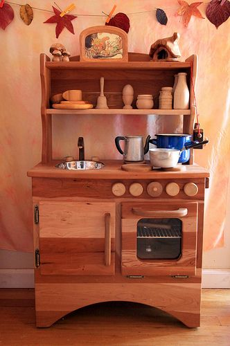 waldorf wooden play kitchen-I really want Aysh to build us one!