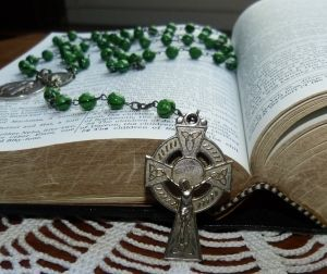 Free catholic rosary videos or audio rosary recordings makes it super