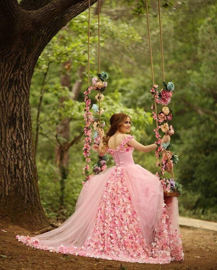 Scoop Neckline Flowers Appliqued Tulle Engagement Promenade Clothes,Court docket Practice Pink Bridal Clothes,Ball Robes Promenade Clothes