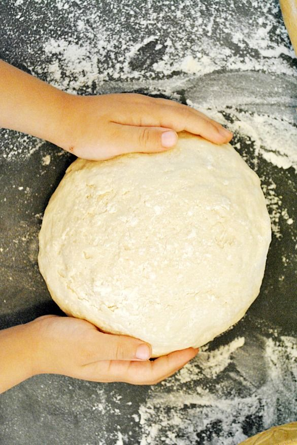 Quick Yeast Bread Dough | ready to bake in 10 minutes! www.somethingswanky.com..  .can be used for pizza crust, hot pockets, crescent rolls, dinner rolls, pigs in a blanket, cinnamon rolls, doughnuts, calzones, sticky rolls.....