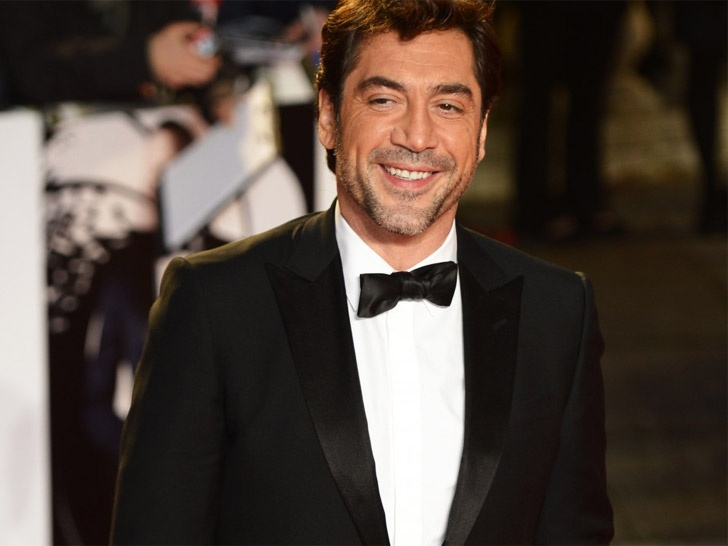 """For her latest """"Green Carpet Challenge,"""" Livia Firth scored none other than James Bond baddie Javier Bardem, who wore an eco-friendly Gucci suit to the London premiere of """"Skyfall."""""""