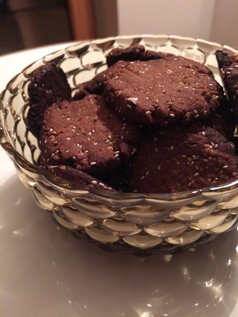 Biscotti con cous cous e semi di chia