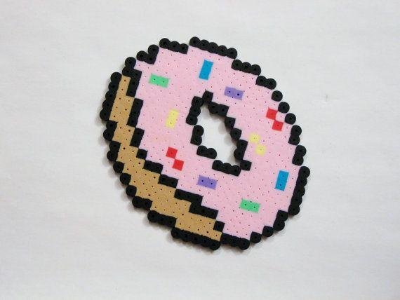 donut con hama beads, hama mini, perler, etc