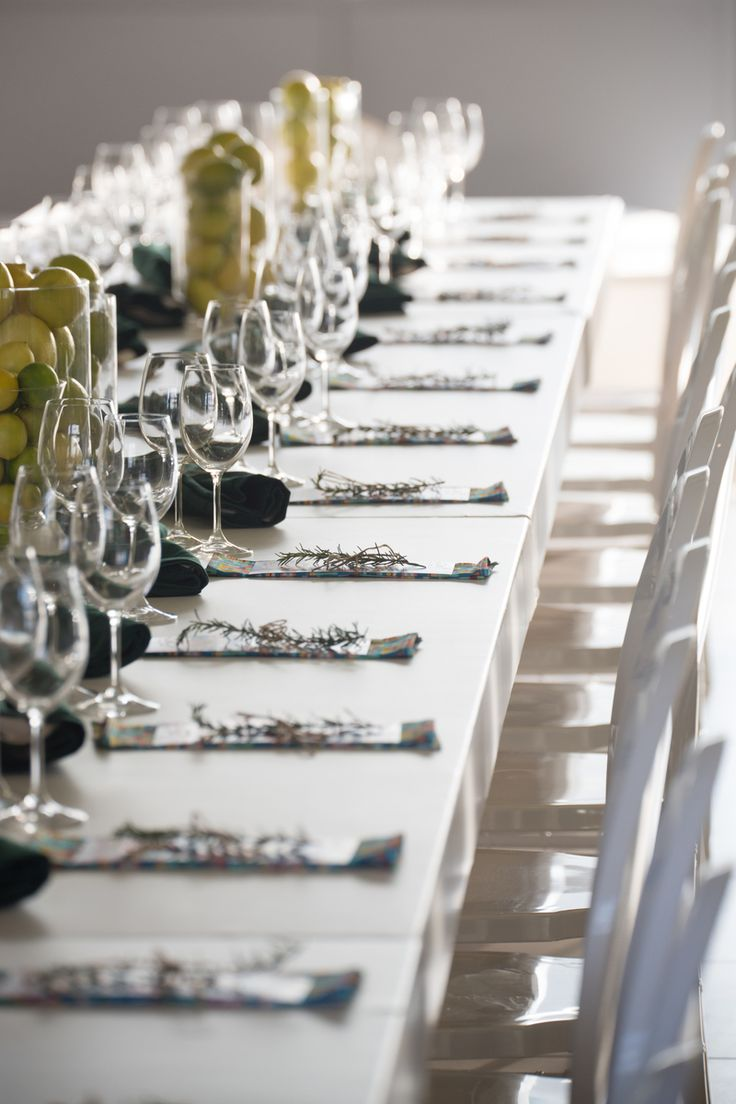 A beautiful, classic table setting @ Matt Manning's in Cape Town #Tablescape
