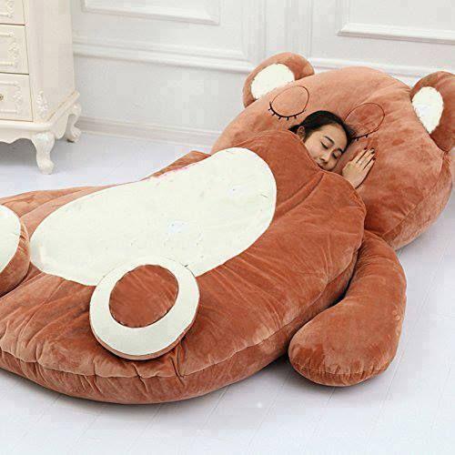 Diese gigantischen Zeichentrickfigur-Schlafsäcke erobern die Welt. Zum Kuscheln einladend!