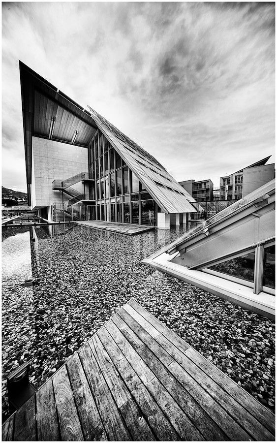 MuSe Lines by Gianluca Gobbi - A shot of MuSe, Science Museum - Trento, Italy - Architect Renzo Piano