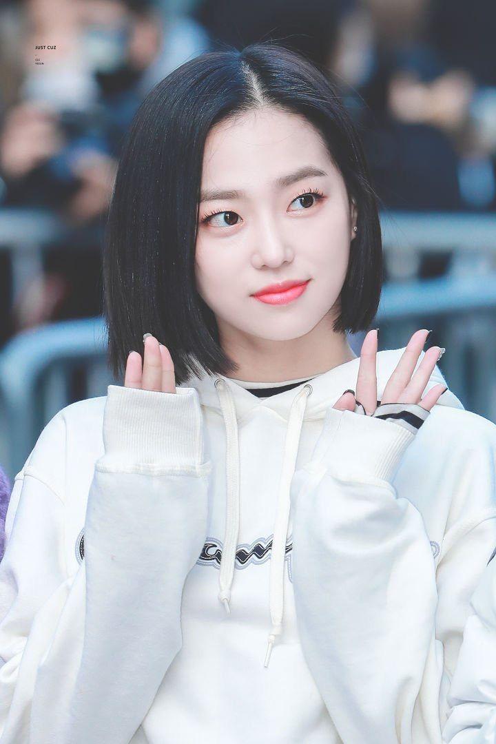 Pin By Lulamulala On Clc Yeeun Clc Short Hair Styles Jang Yeeun