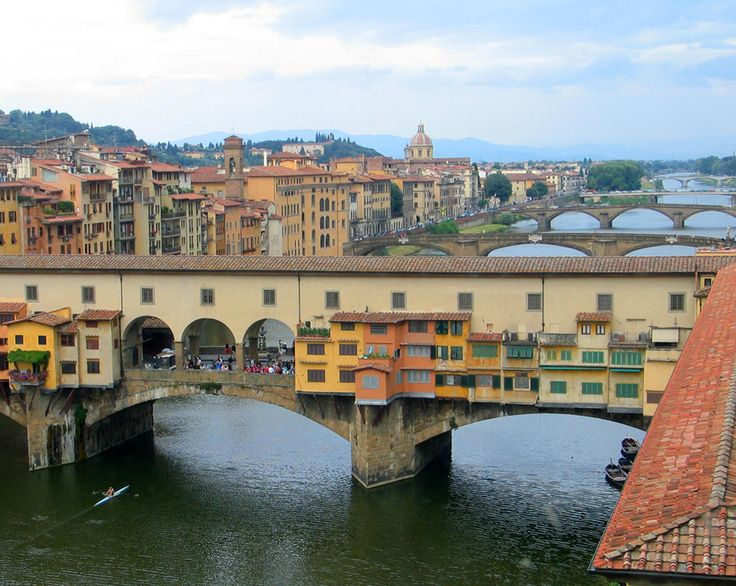 Florence-Ponte Vecchio, the oldest of Florence's six bridges, is one of the city's best known images. Probably going back to Roman times with its stone pillars and wooden planks; it was built in stone but then newly destroyed by a flood in 1333. It was built again twelve years later, perhaps by Neri da Fioravante (or Taddeo Gaddi, according to Giorgio Vasari).