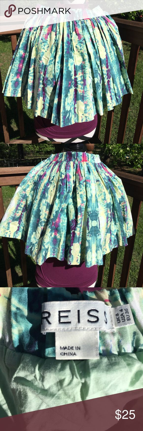 "Reiss floral print skirt Reiss skirt. Elastic waist. Unstretched it is approx 13.5"" and it is approx 16"" long. Tag says US 4 but listing as a medium bc of the stretch. Multicolored pastels. Fully lined. Reiss Skirts"